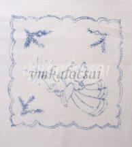 Angyalkás-sarkaiban fenyőágas előrajzolt karácsonyi terítő (DKT181841)