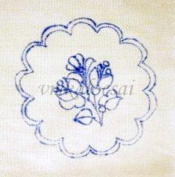 Virágos 10 cm kerek terítő (DT101011)