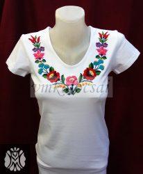 Kalocsai mintás kézzel hímzett női póló