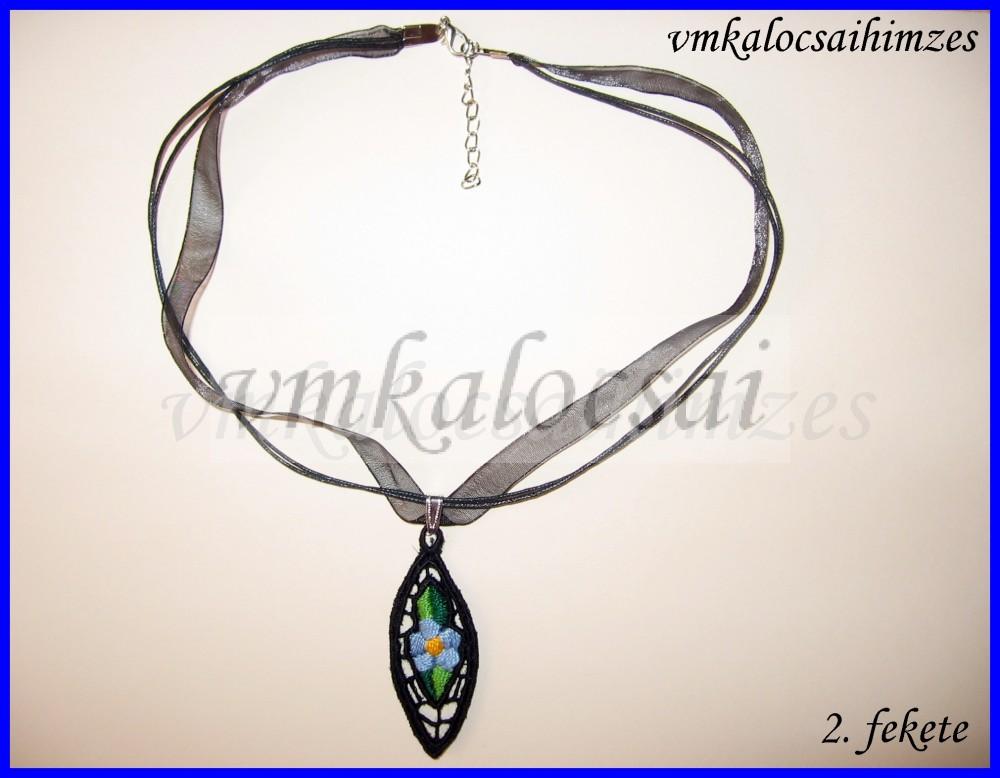 cc991cfada Kék nefelejcses nyaklánc - VM Kalocsai Shop